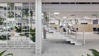 办公 | 白色多层空间设计案例